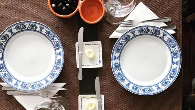 Detalhe da mesa - O Tacho, Leça da Palmeira