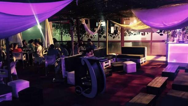 Turín 15 Café & Chill Out Zona Chill Terraza Nocturna