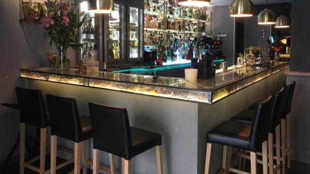 El Neo Tapas & Cocktails - San Magin Vista sala