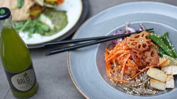 Meatless District de Pijp Sunshine bowl