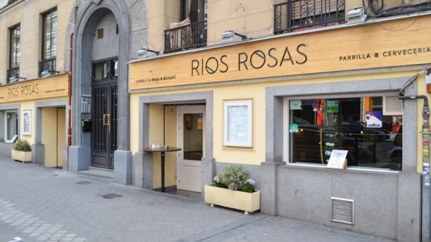 Ríos Rosas Entrada