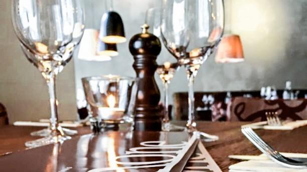 Limone Italiano Table