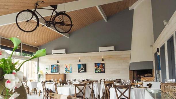 La Bicyclette Jaune Salle du restaurant