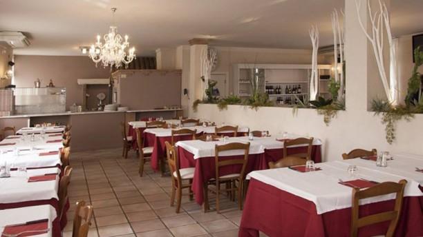 Trattoria Ristorante Pizzeria al Toscano Vista della sala
