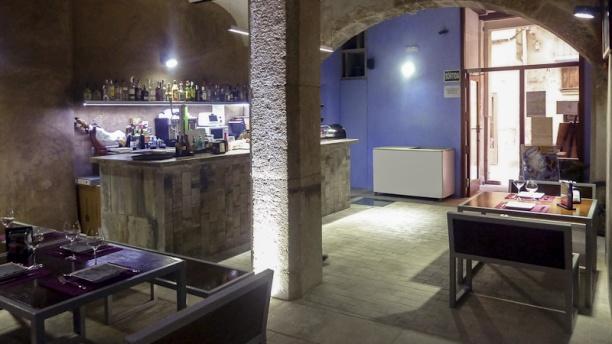 L'Assoc, Banys Àrabs Vells Sala principal del bar