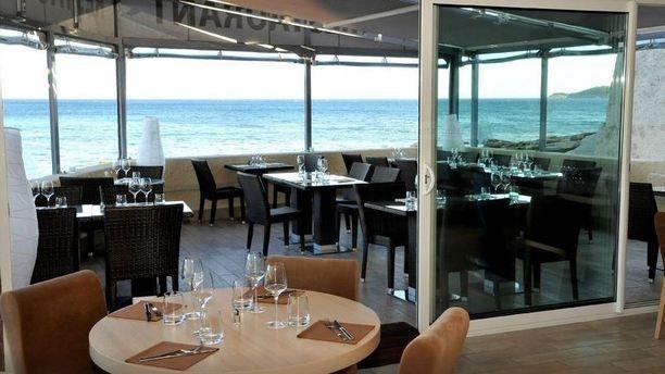 restaurant le saint jean plage la ciotat 13600 avis menu et prix. Black Bedroom Furniture Sets. Home Design Ideas