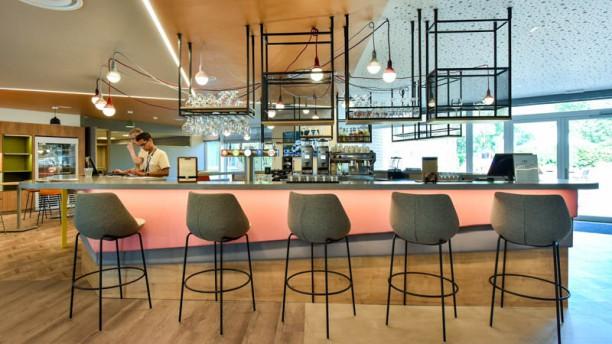 Blomi Restaurant Vue de l'intérieur