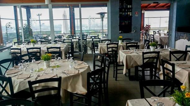 Lo Chalet Restaurant Veduta dell interno