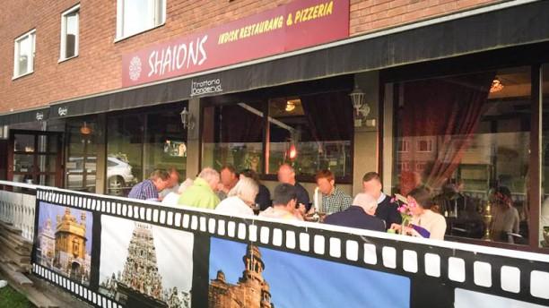 Shaions indisk restaurang och pizzeria devanture