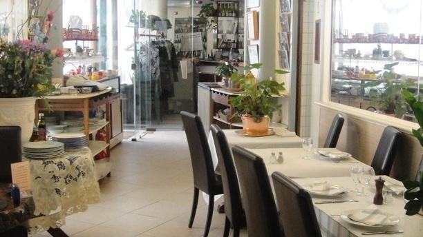 Restaurant au bouvines paris 75011 nation menu for Resto lasalle