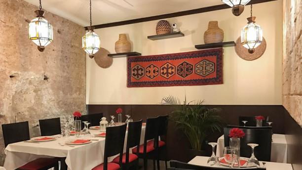 Alcazar Halal Resturante Vista sala