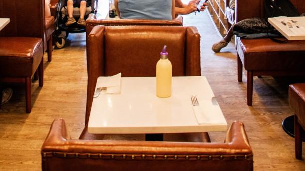Meating Corner Table dressée