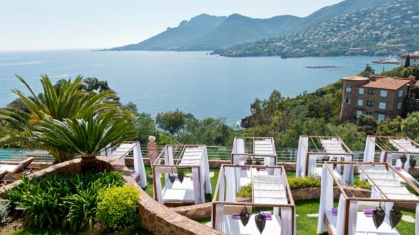 L'Or Bleu - Hôtel Tiara Yaktsa Vue panoramique sur la mer