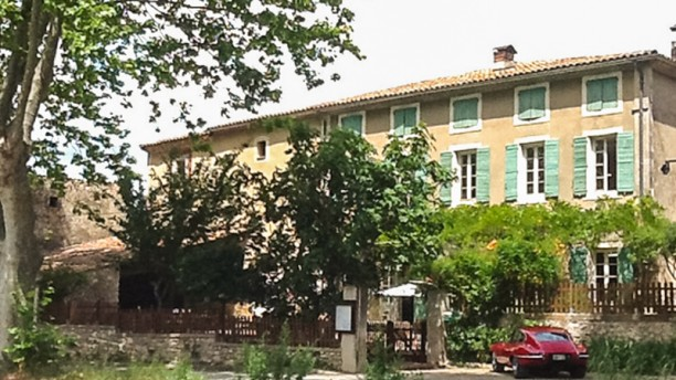 Domaine de Pradaous Terrasse