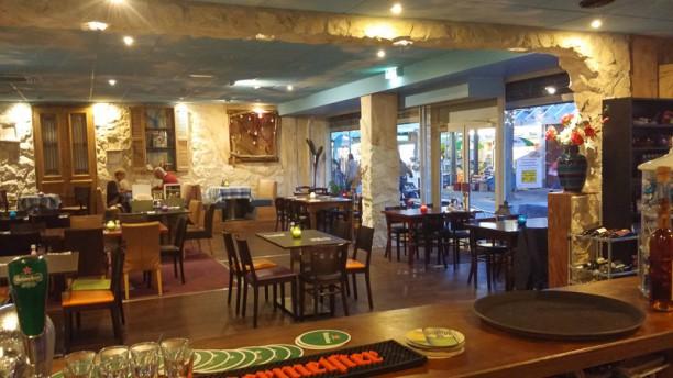 Kostas de Griek Restaurantzaal