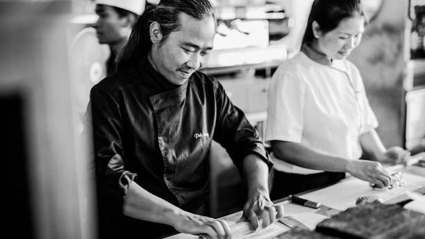 Enjoy Sushi Bouc-Bel-Air Notre équipe de Sushimen en action en cuisine