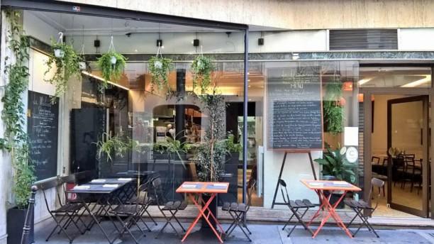 le mazenay in paris restaurant reviews menu and prices. Black Bedroom Furniture Sets. Home Design Ideas