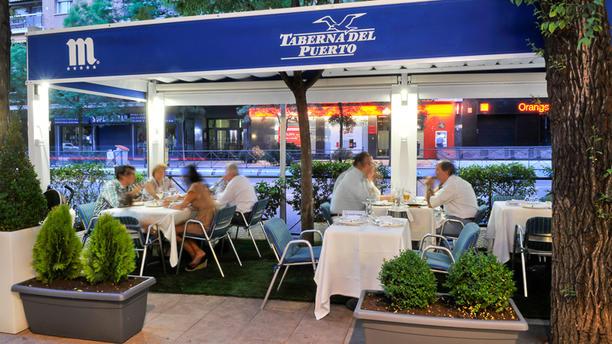 Restaurante taberna del puerto diego de le n en madrid for Restaurante puerto rico madrid