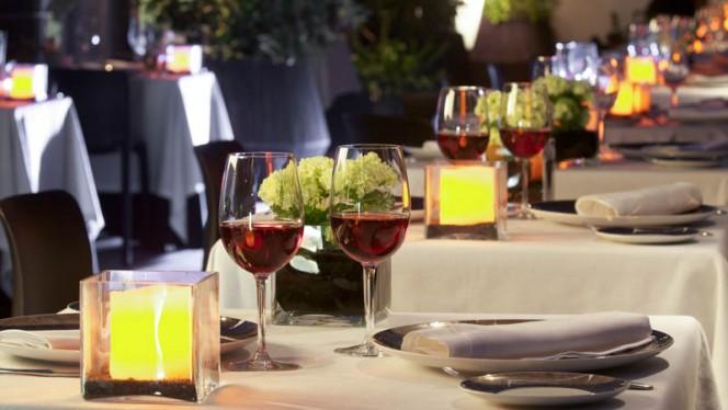 Detalle mesa - El Mirador del Thyssen, Madrid