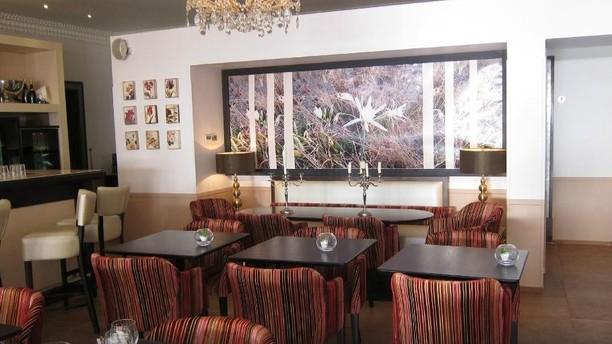 Le Café des Fleurs Salle