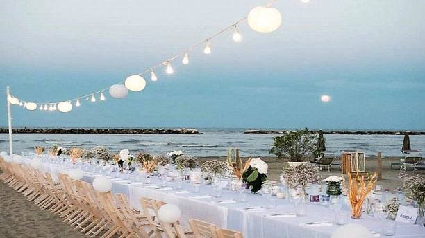Bagno Mediterraneo Lido Di Savio : Catenaria di lampadine bianca un filo di luci led per esterno
