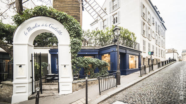 le moulin de la galette in paris 20 restaurant reviews menu and prices thefork. Black Bedroom Furniture Sets. Home Design Ideas