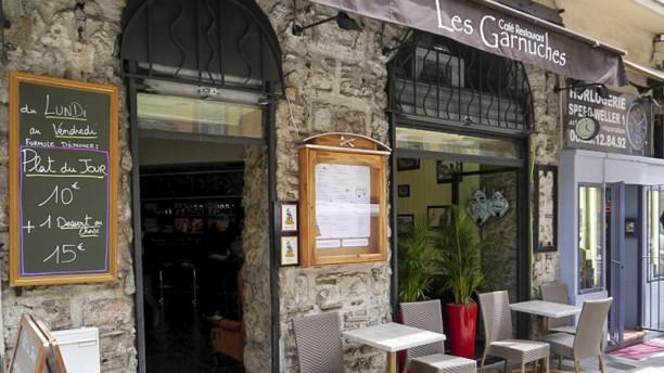 Les Garnuches facade 1