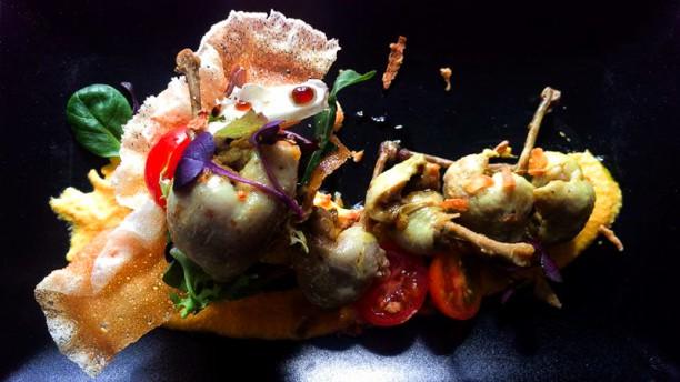 GastroPizarro Escabechado de codorniz con curry, brotes tiernos y crema de zanahoria