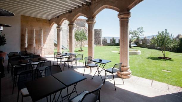 Restaurante Parador Castillo de Monterrei Terraza