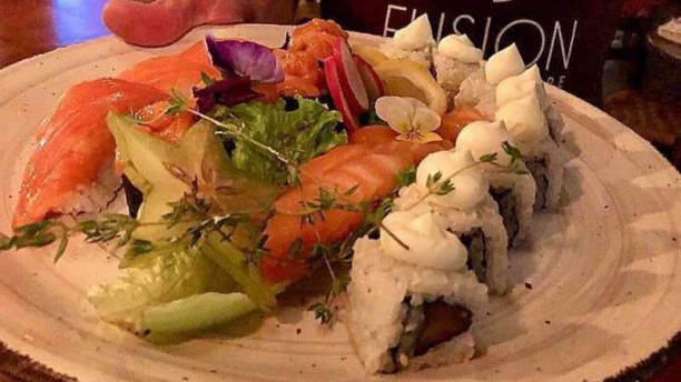 FUSION - Sushi & More Sushi