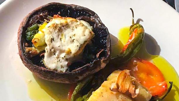 LOKOS Lombo de Bacalhau com legumes e cogumelo gratinado