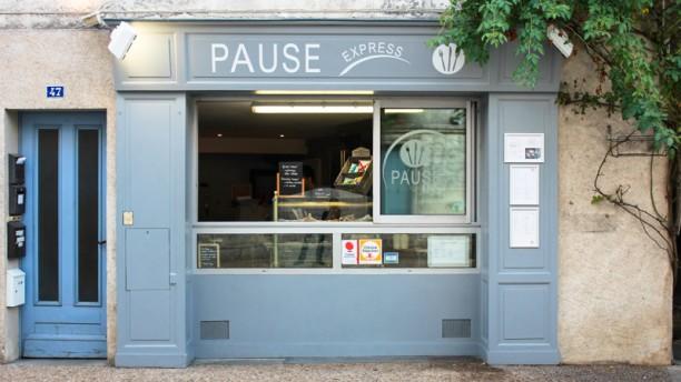 Pause Express Devanture