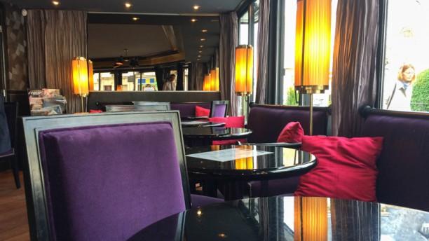 Le Café du Théâtre Vue des tables