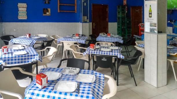 Sidrería Las Guajas Cachopería Sala del restaurante