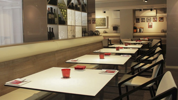 3 Atelier Gastrobar Eddie Arola Vista mesas