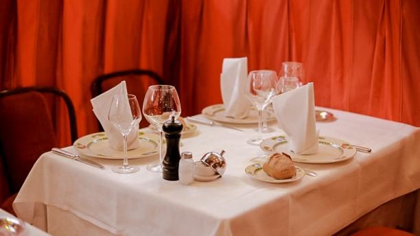 Au Petit Marguery - Rive Gauche Tables dressées