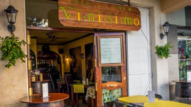 Vinisimo Bistro - Bar Vista entrada