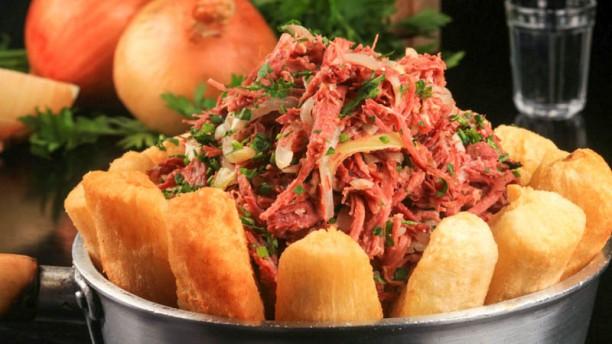 À Mineira (Norte Shopping) Carne seca desfiada com aipim