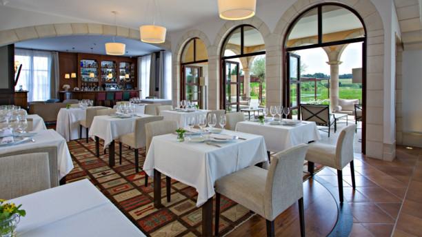 Casa Anamaria restaurante by Victor Trochi Salón