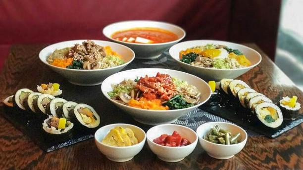Seoul Ristorante Coreano Cena Zuppa di Kimchi+Bi Bim Bab+Kimbap