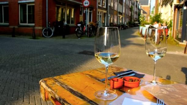 Wijnbar diVino Het terras