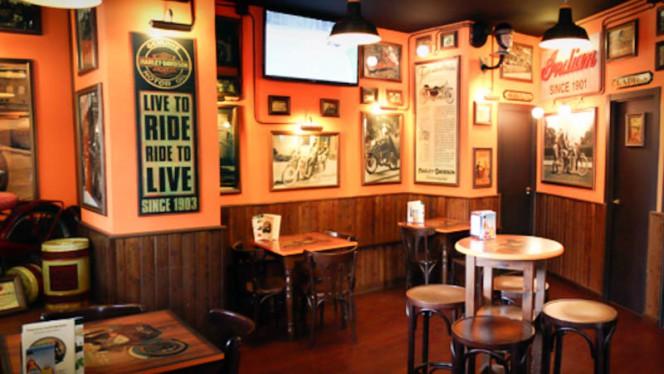 Sala - Dakota Custom Bar, Madrid