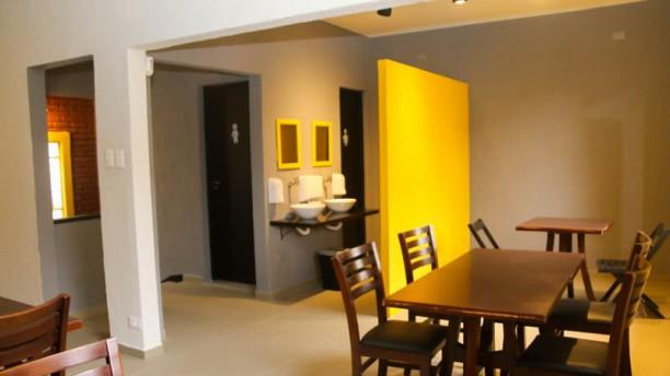 Mamute Beer House Salão superior, com vista agradável,  mesa de sinuca e banheiros.