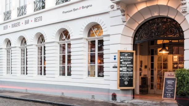 JILLES Beer & Burgers Brugge Devanture