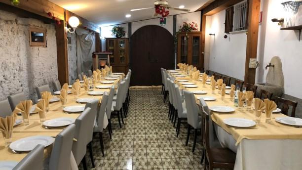Anatolia Pizzeria e Steak House Interno