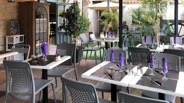 Le Mas des Lilas Salle du restaurant
