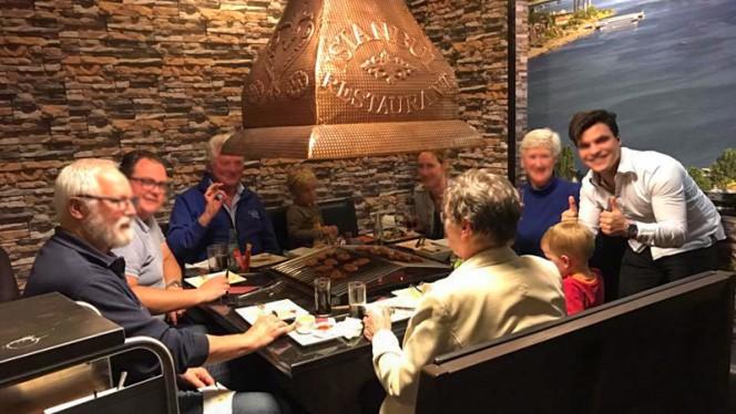 Ocakbasi / Zelf grillen - Istanbul Cafe en Restaurant, Nijkerk
