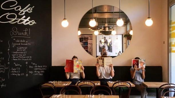 Le Bal Cafe Otto Salle du restaurant