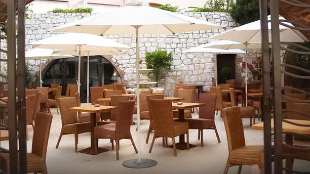 Restaurant l altro antibes 06600 menu avis prix et for Restaurant le jardin a antibes
