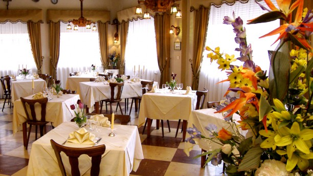 Restaurant A Dambach La Ville
